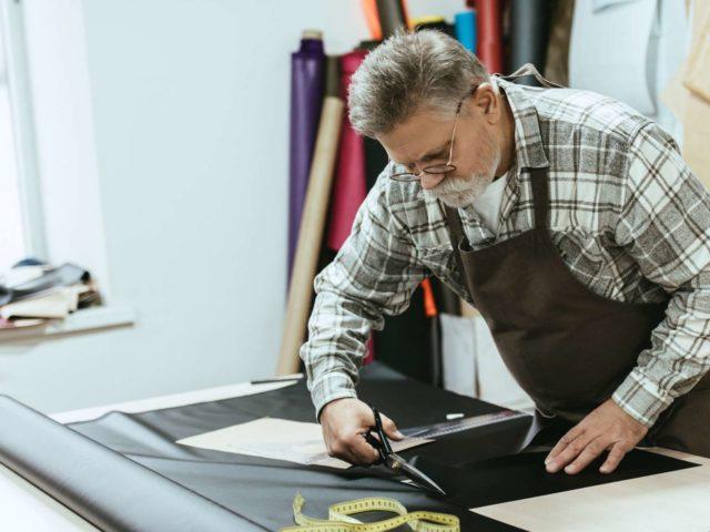 wytwarzanie nowych mebli przez tapicera